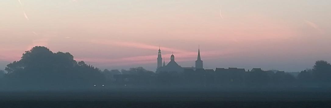 Aardenburg in de ochtendnevel_webbanner